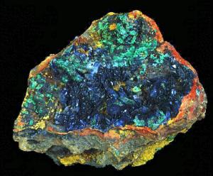 Azurite_crystals_w_Malachite