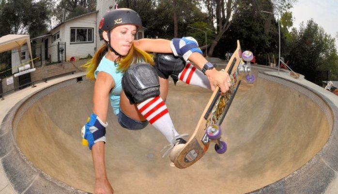 girlonskateboard